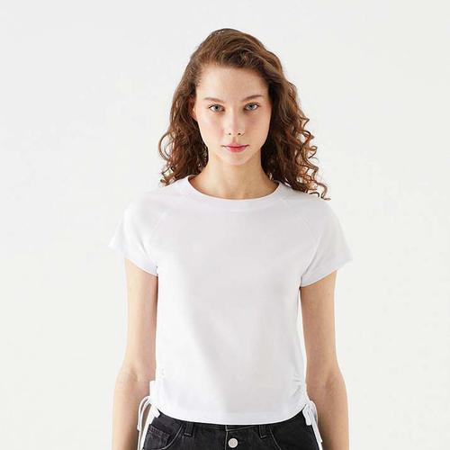 Mavi Büzgü Detaylı Kadın Beyaz Tişört (1600740-620)