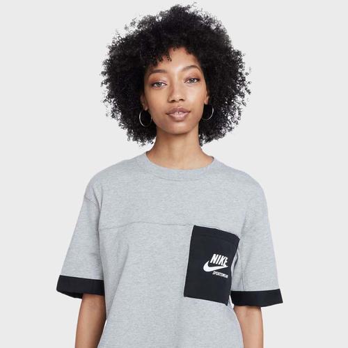 Nike Kadın Gri Tişört (DD5685-063)